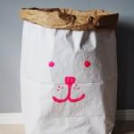 Aufräumen ist kinderleicht – handbemalte Papiertüten von Tellkiddo
